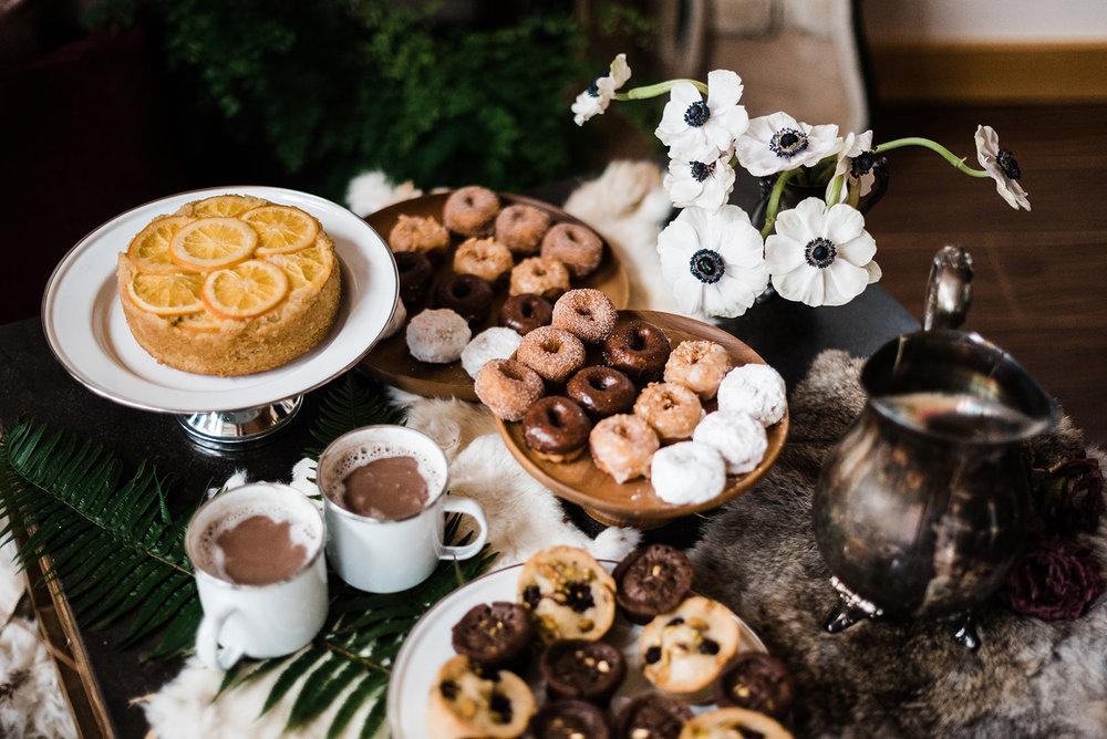 winter wedding Spokane table setting