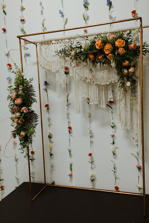 spokane wedding dress macrame fresh flowers copper archway