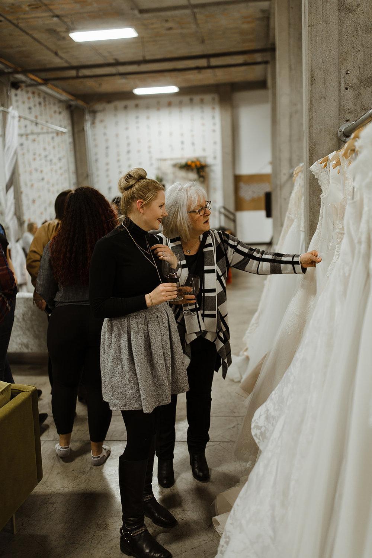 spokane wedding dress fashion show mom daughter shopping wine