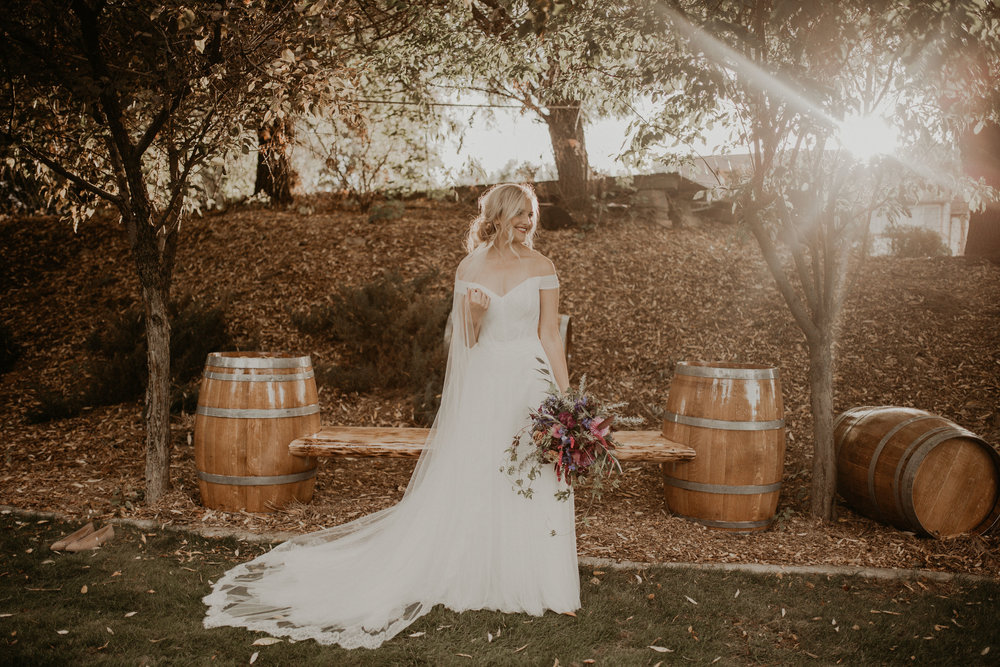 fall bride sun bouquet spokane wedding