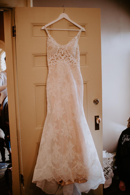 hanging gown spokane bride winter wedding