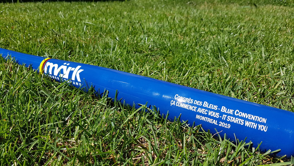 Bâton Märk Lumber - Voici le bâton officiel du Congrès des Bleus 2019 fait par Märk Lumber. Ce bâton est fait du meilleur bois dur d'érable à sucre.Billets: 5$Tirage: Lors du Banquet de l'Assemblée Générale de Softball Canada en novembre 2018Pour plus d'information ou vos billets: blue2019.montreal@gmail.com
