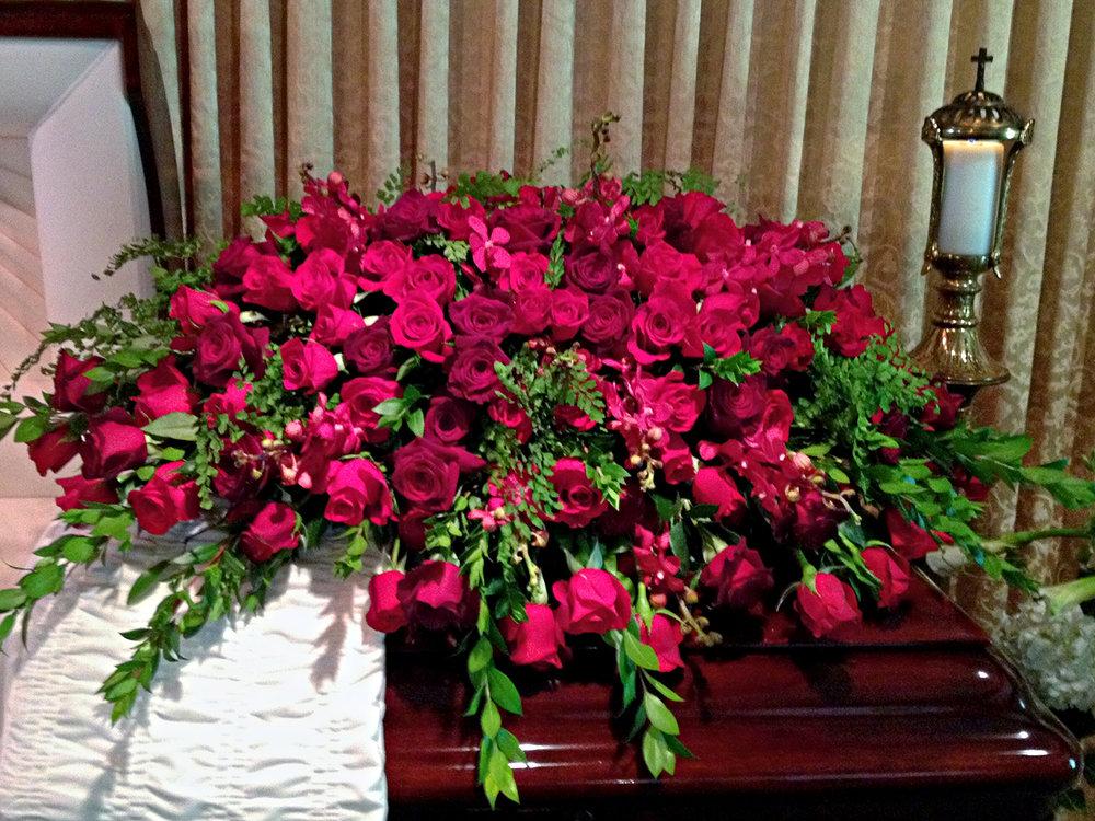 Funeral-MobilePhotos2012560aaa-ID-9ea09cbf-68b2-4908-efca-c1b9e8e21013.jpg