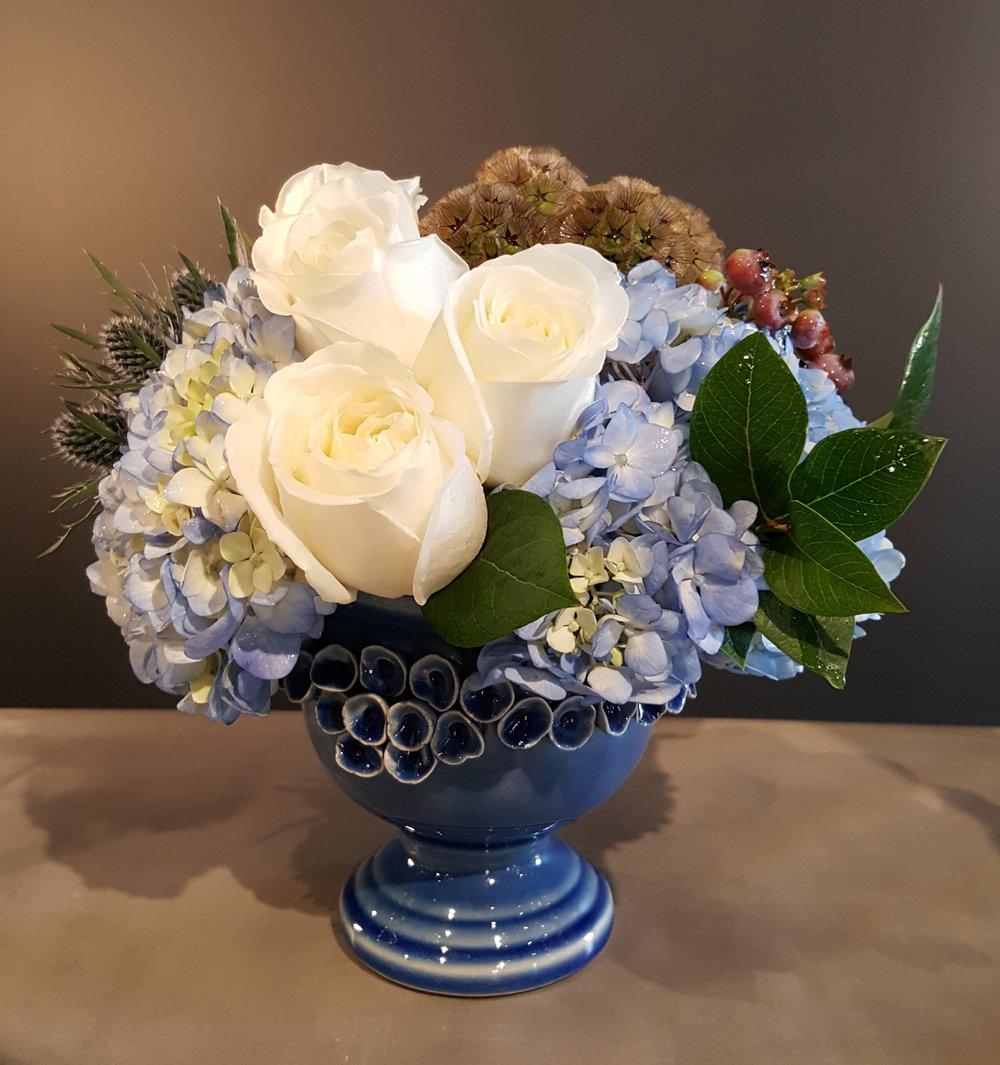 NantucketBlue...blueHydrangeaswhiteRosesBlueberriesScabiosaPodsbluevesselSignatureCollection_-ID-e4249535-6b6a-4e95-b9fa-412177d37a41.jpg