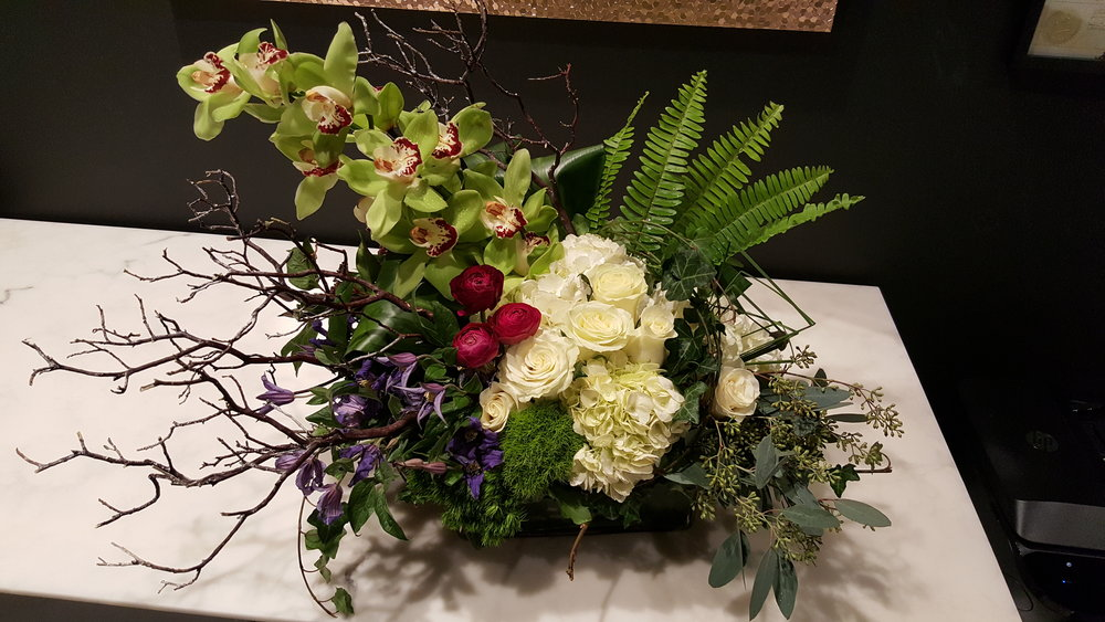 Local florist shop in Woodbury, Connecticut makes residential floral centerpieces