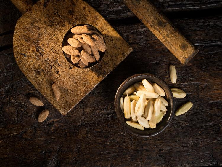 Pili: A Melt-In-The-Mouth Gourmet Supernut///Pili : Une super noix au goût subtil qui fond dans la bouche