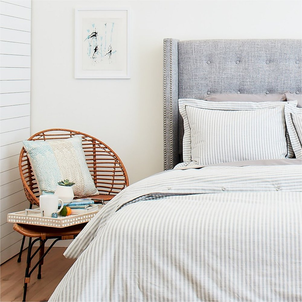 fall updates with this modern neutral bedroom