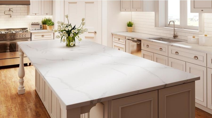 traditional kitchen with crystal quartz countertop