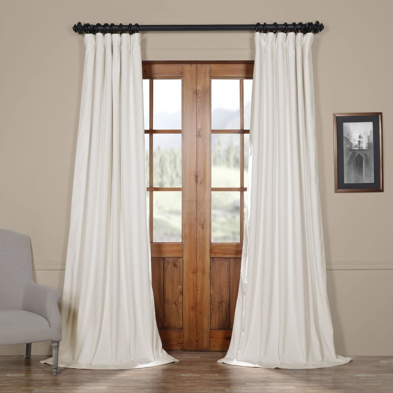traditional living room curtains
