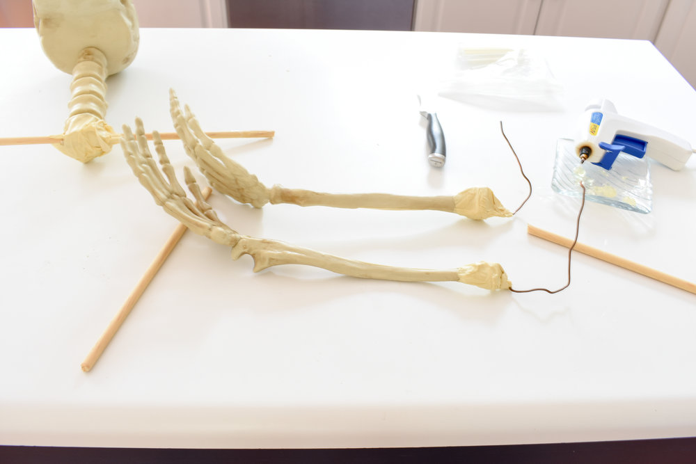 DIY skeleton decor for halloween