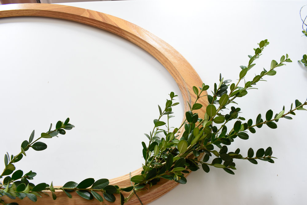 the easiest way to make a boxwood wreath - for free - tutorial on the blog