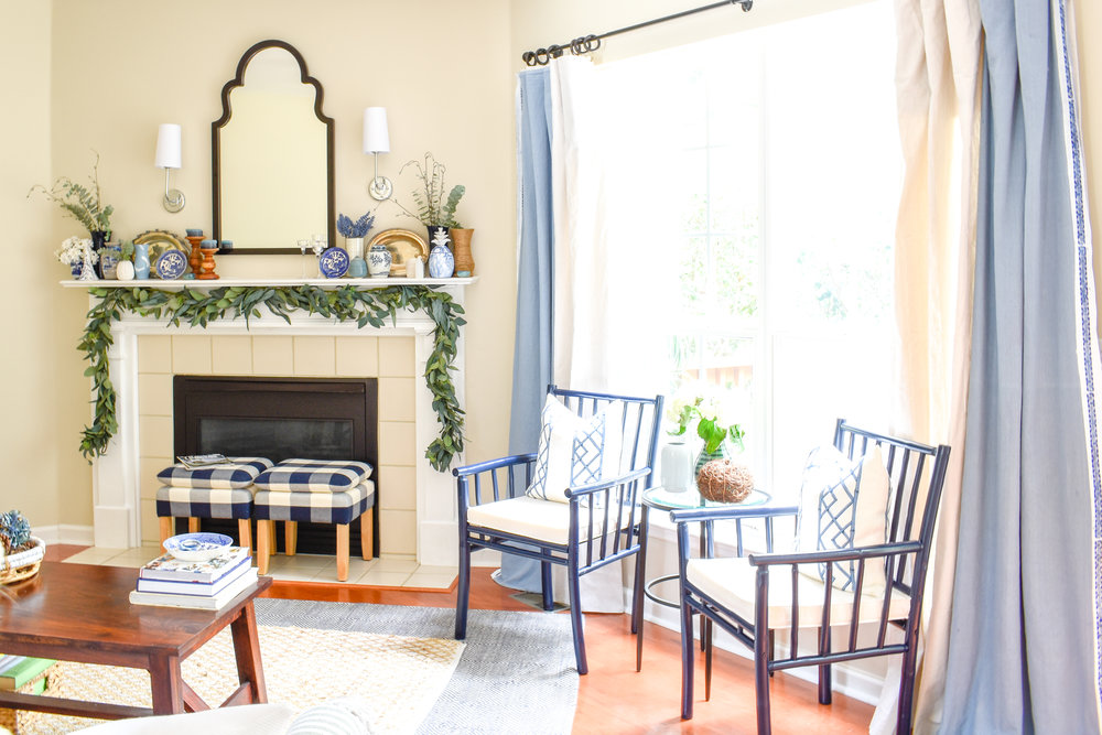 traditional living room decor with blue and white color scheme and chinoiserie touches