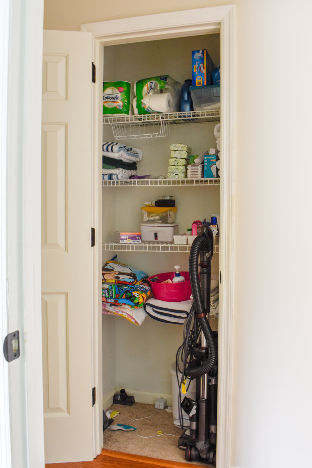 Bathroom Organizing DIY: How To Easily Double The Storage Capacity Under Your Sink For Cheap #organization #diyhacks #bathroomstorage #organizeit #springcleaning