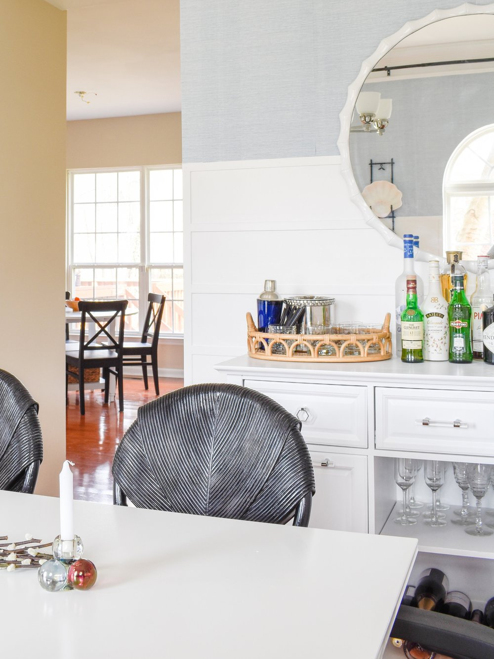 Super Simple Spring Home Decor Updates: Instead of going all out, we're really scaling back this season and loving our new, uncluttered home's feel. #springcleaning