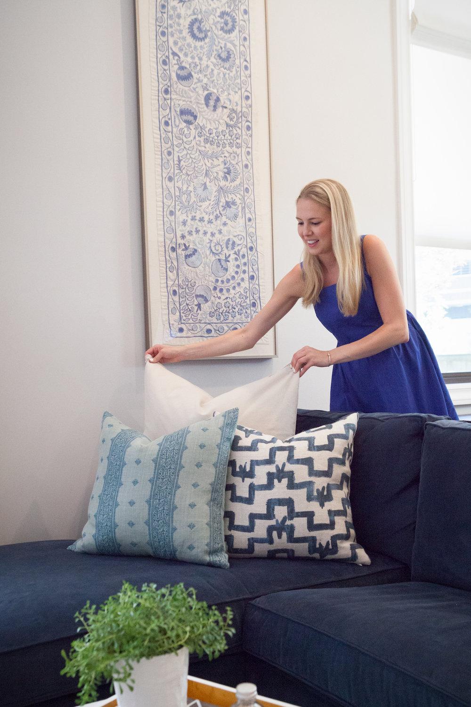 Hannah_Schickel_Interiors_Designer_Decorating_Pillows_blue