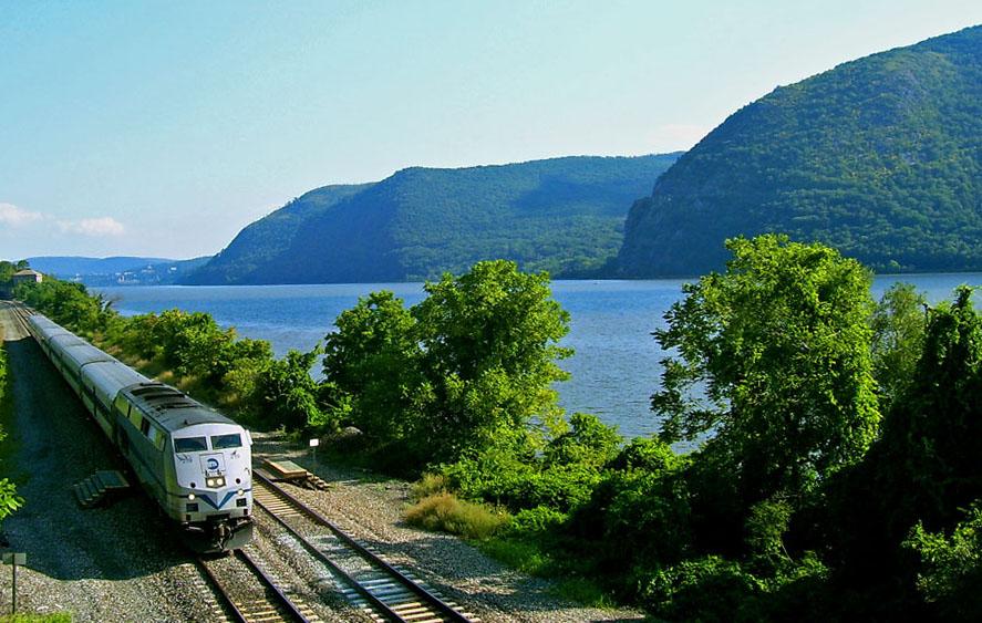Metro-North_Hudson_Line.jpg