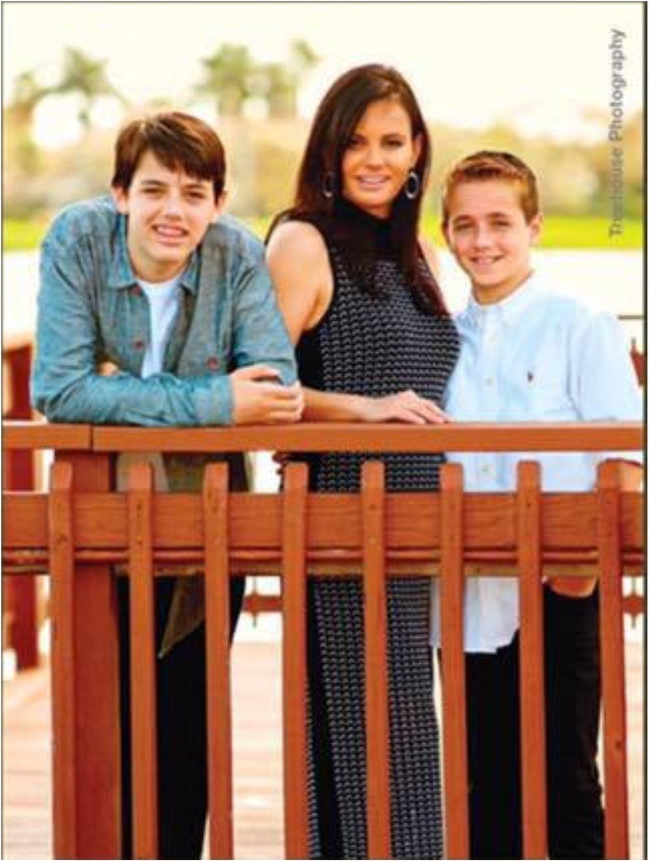Elaine'sModern Family -