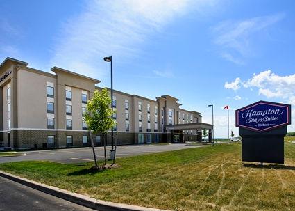 HX_hotelexterior_425x303_FitToBoxSmallDimension_Center.jpg
