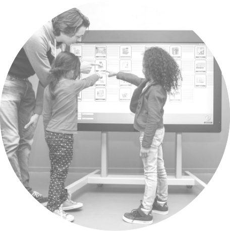 DIGIBORD - MPI GO! - DE BEVERTJES is een medisch pedagogisch instituut waar buitengewoon kleuteronderwijs & lager onderwijs wordt gegeven aan kinderen van 2,5 tot 15 jaar.Het fonds kocht er een speciaal 'Digibord'(digitaal schoolbord) aan, dat zowel horizontaal, als verticaal kan kantelen, zodat ook motorisch beperkte kinderen het op een comfortabele manier kunnen gebruiken.-SCHOOL VOOR BUITENGEWOON ONDERWIJSDE BEVERTJES (OEDELEM)