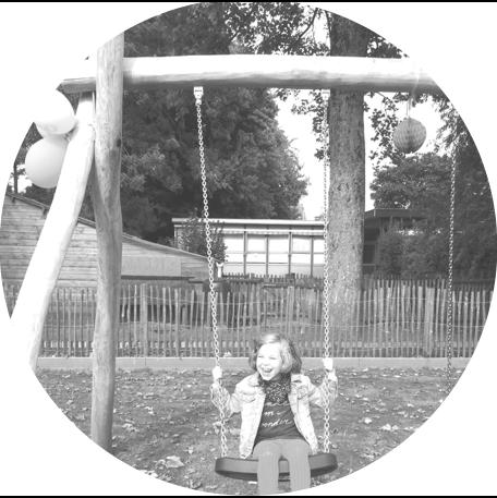 SPEELTUIN - Naast het digibord schonk het fonds een volledig nieuwe en aangepaste speeltuin aan.Zo kunnen alle kinderen zich ook tijdens de speeltijden uitleven.-SCHOOL VOOR BUITENGEWOON ONDERWIJSDE BEVERTJES (OEDELEM)