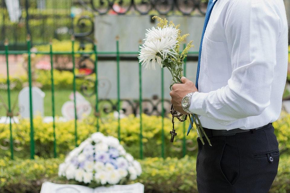 funeral-2511124-960-720_1_orig.jpg