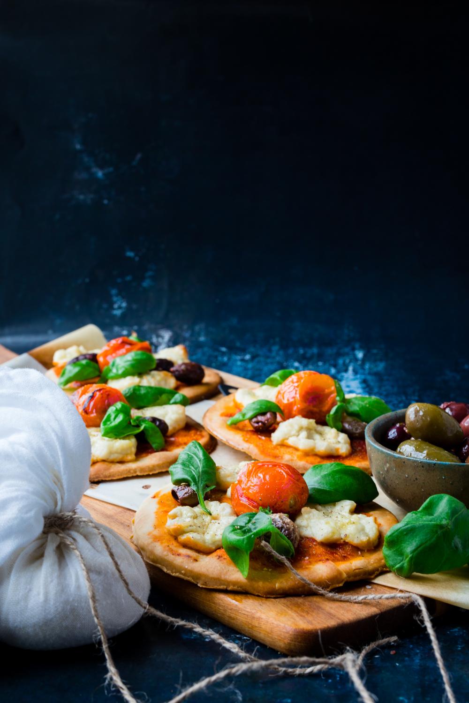 Vegan Mozzarella pizza -