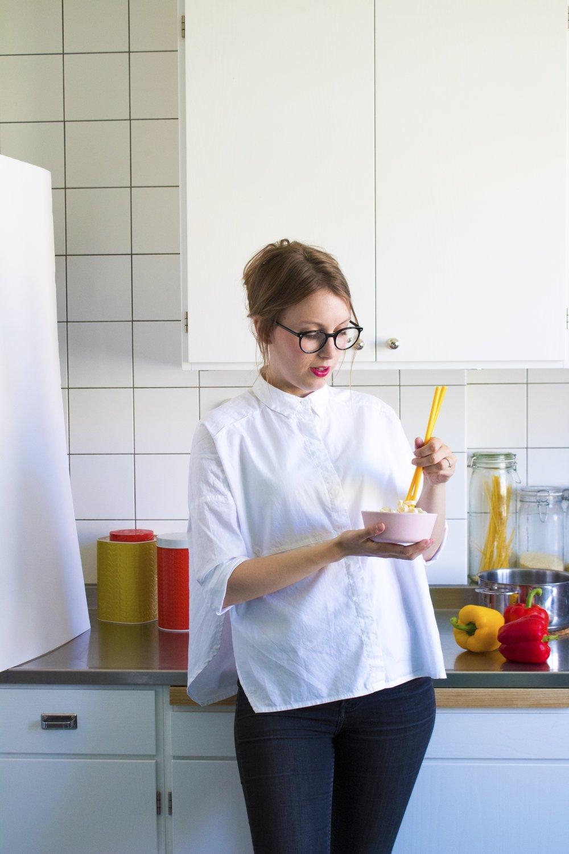 En färgstark och karismatisk tjej som har tagit mat Sverige med storm.