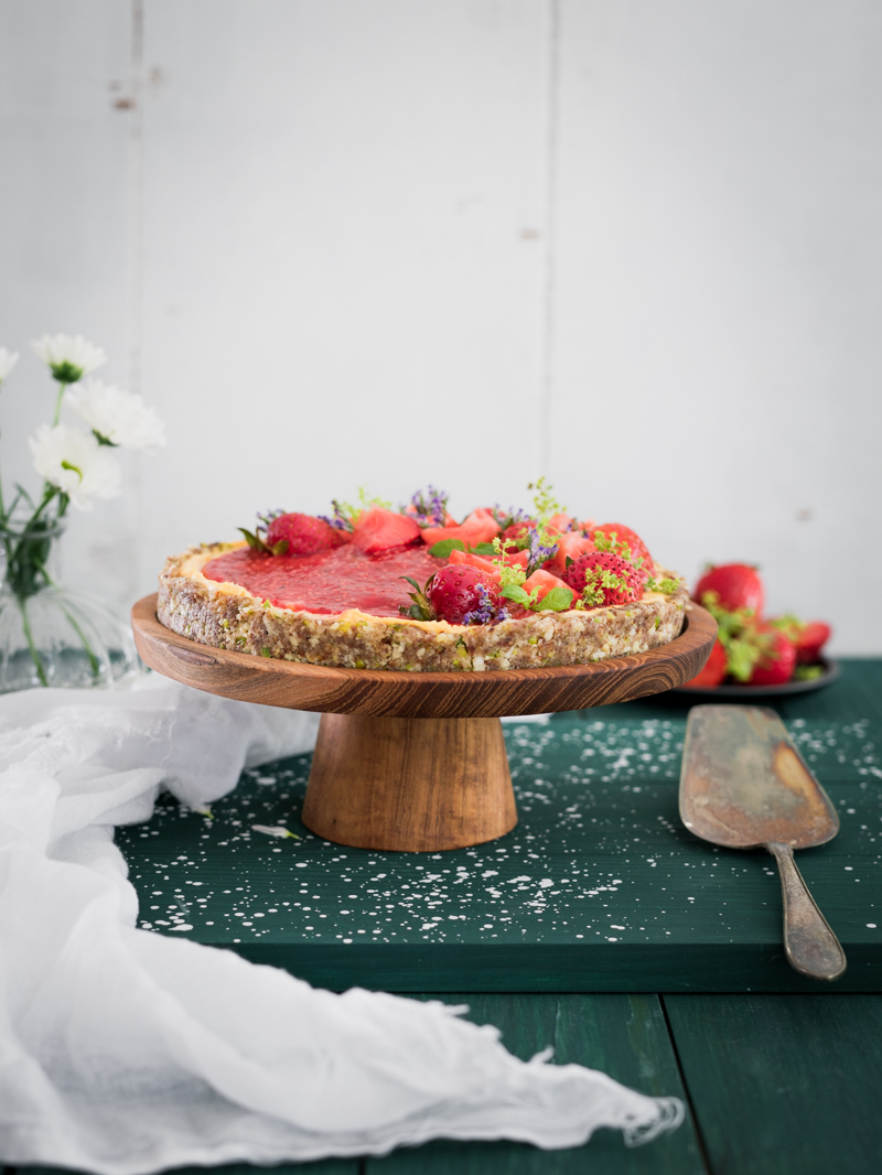 Jordgubbpaj med lemoncurd och pistagenötter - Raw food_-8.jpg