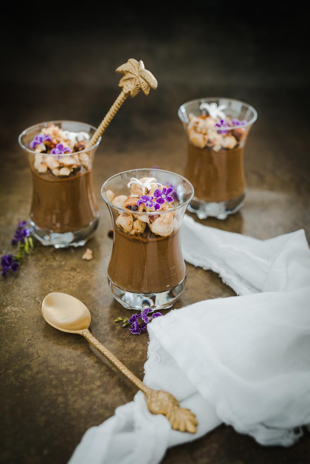 Chokladmousse-apelsinblomvatten-recept-rawfood-grontvarjedag.jpg