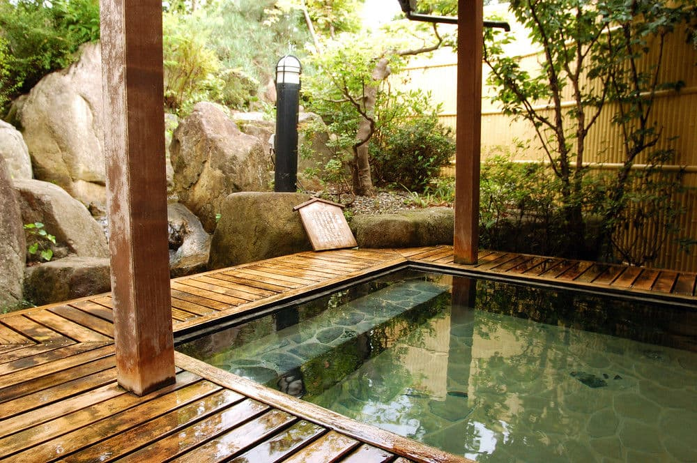 Image courtesy of hotels.com (photos are not allowed in Onsen)