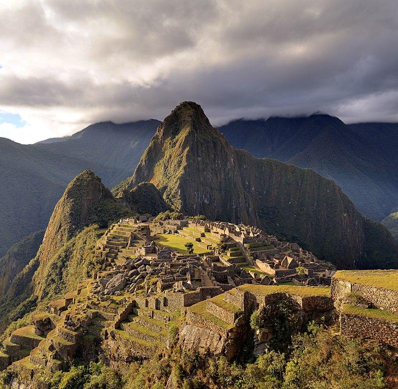 800px-80_-_Machu_Picchu_-_Juin_2009_-_edit.2.jpg