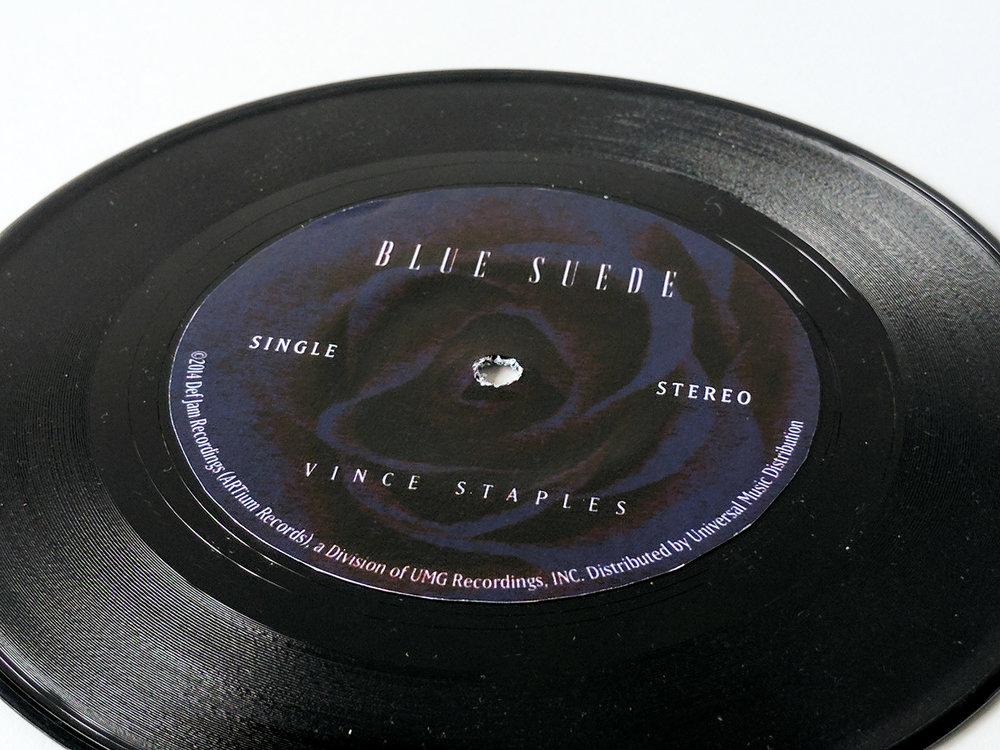 BlueSuedeSleeve04.jpg