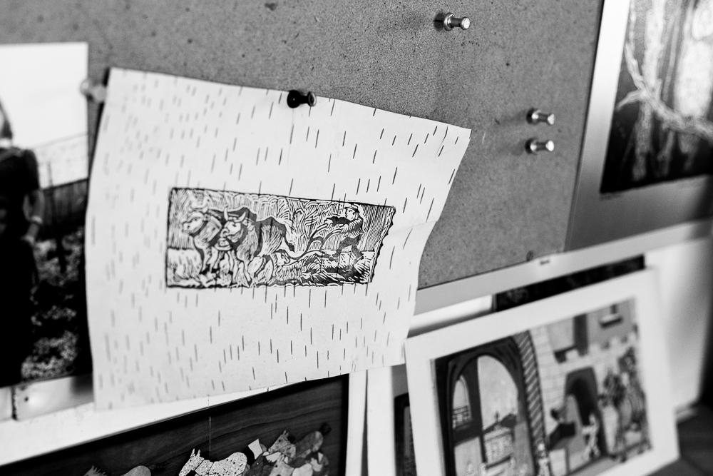 Roger Pelerin - J'ai eu le privilège de me rendre à l'Île Nepawa pour rencontrer le graveur, peintre et sculpteur,Roger Pelerin. Voici une série réalisée chez-lui, dans son atelier. L'objectif était de réaliser un portrait de l'artiste et de dévoiler une partie de son environnement créatif afin d'illustrer son site Internet.