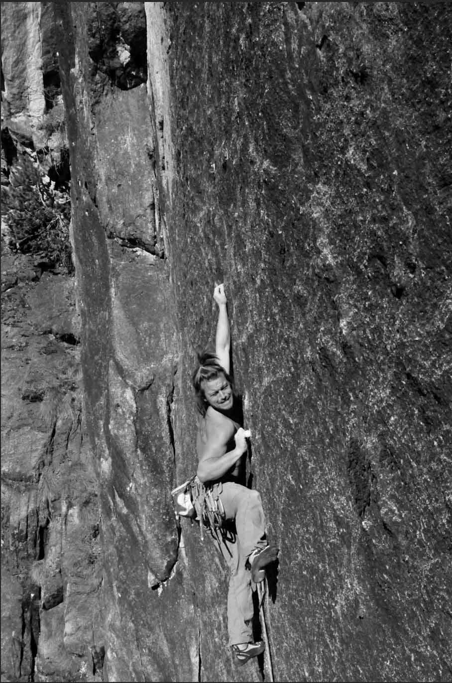 rock-climbing-ecrins.jpg