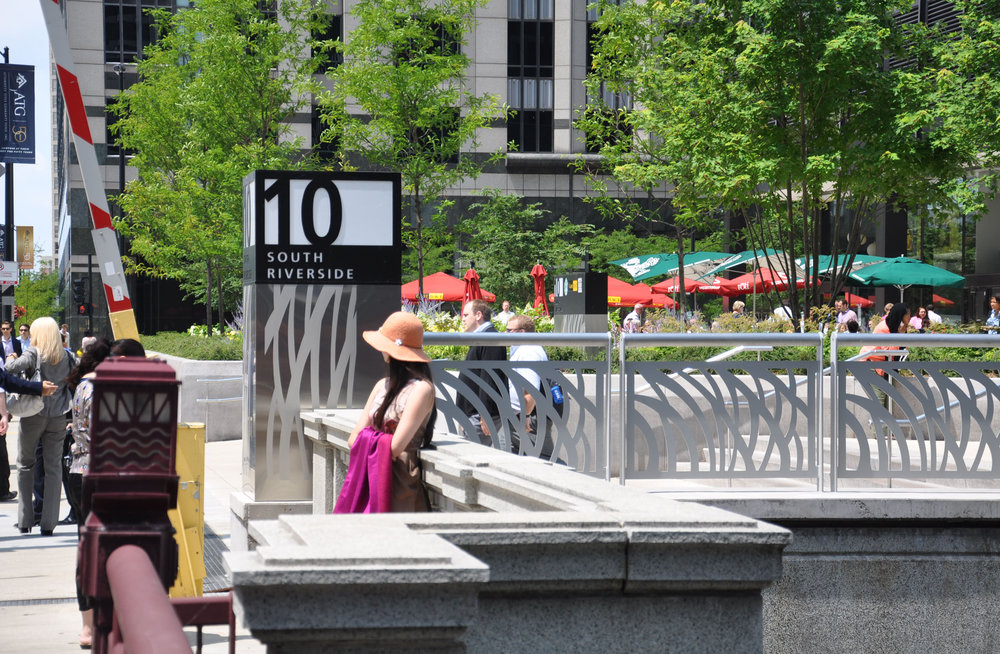 9 - 10 & 120 S Riverside Plazas_4.JPG