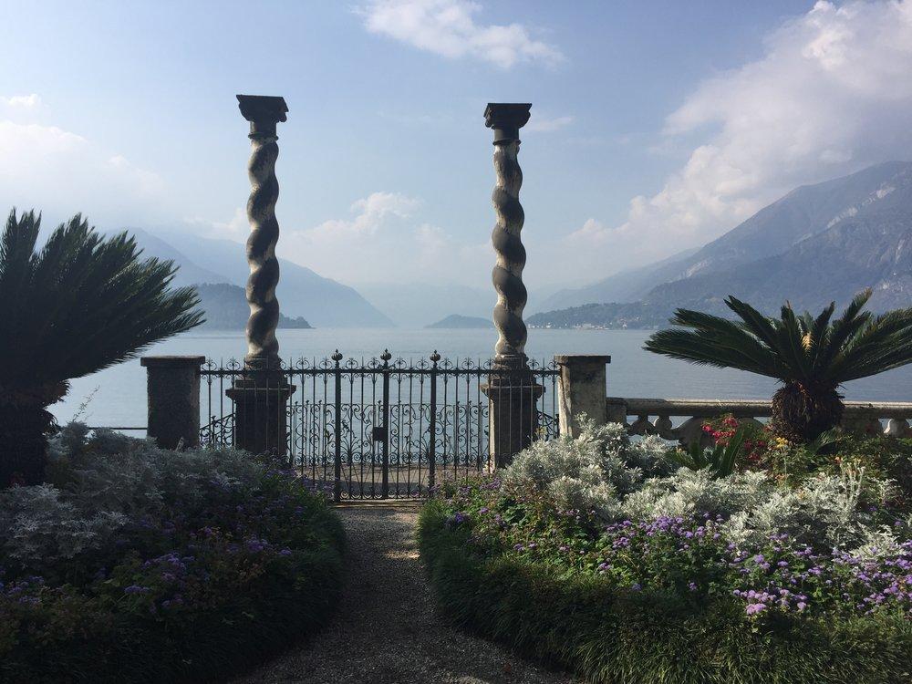 Bellagio View thru pillars.JPG
