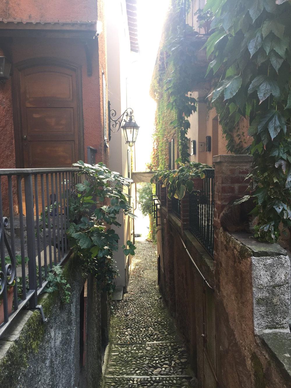 Bellagio alley 1.JPG