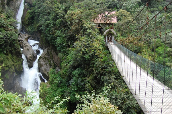 explore-the-waterfalls-and-canyon-in-banos-ecuador-561-0_100_600.jpg