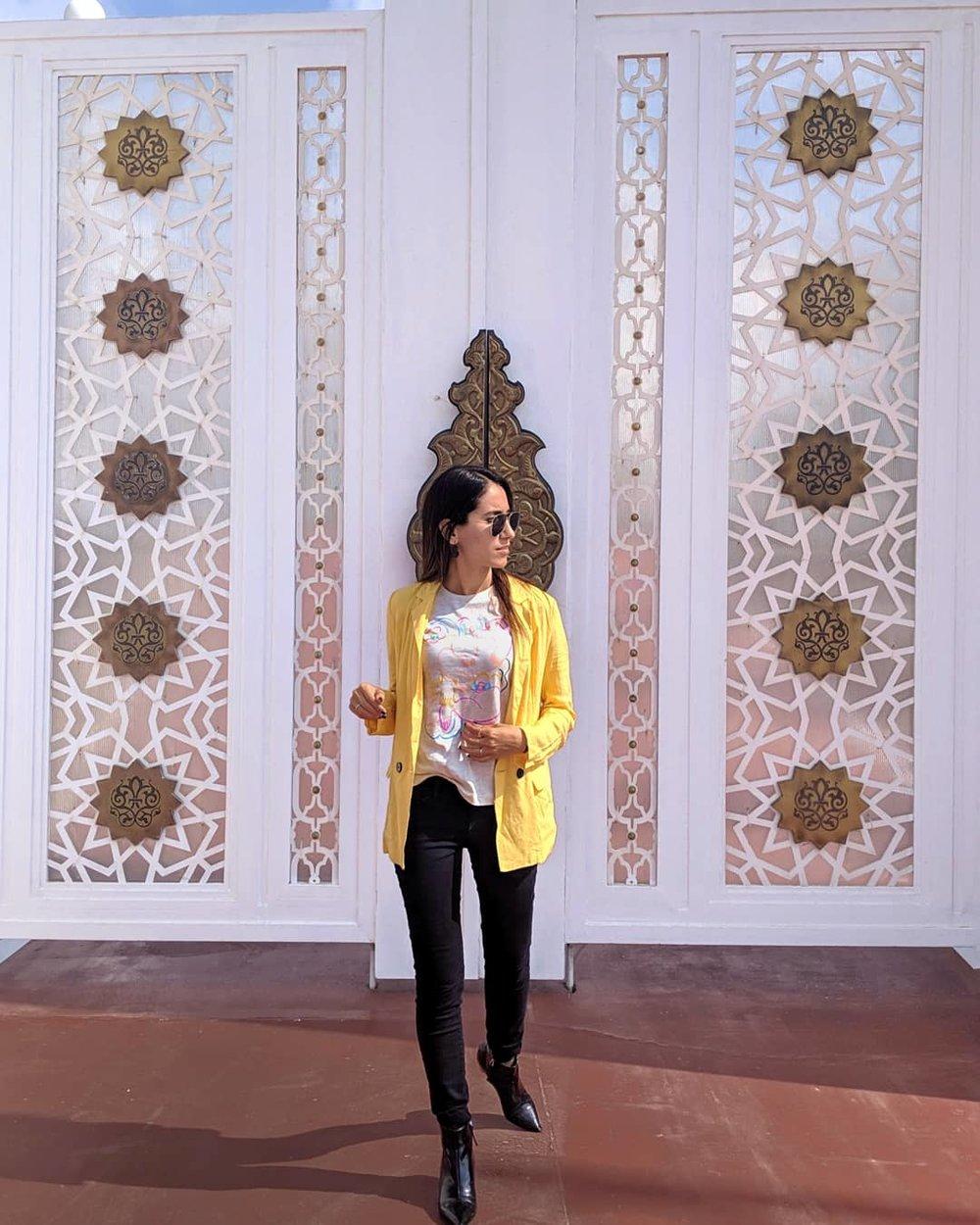 Wearing:  Charlotte Russe blazer ( similar )   Kotn   top     Frame  pants