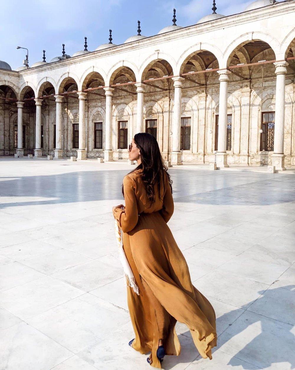 Wearing:  F21   dress       Khan el Khalili Bazaar scarf (  similar   )