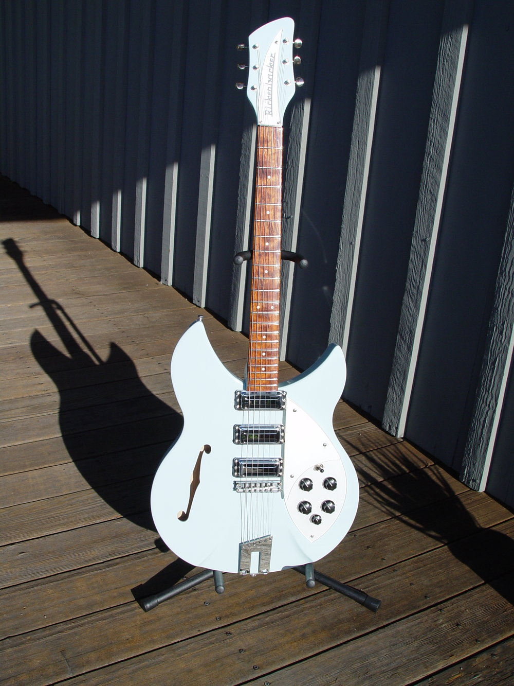 RICKENBACKER RM 1998 IN BLUE BOY FINISH