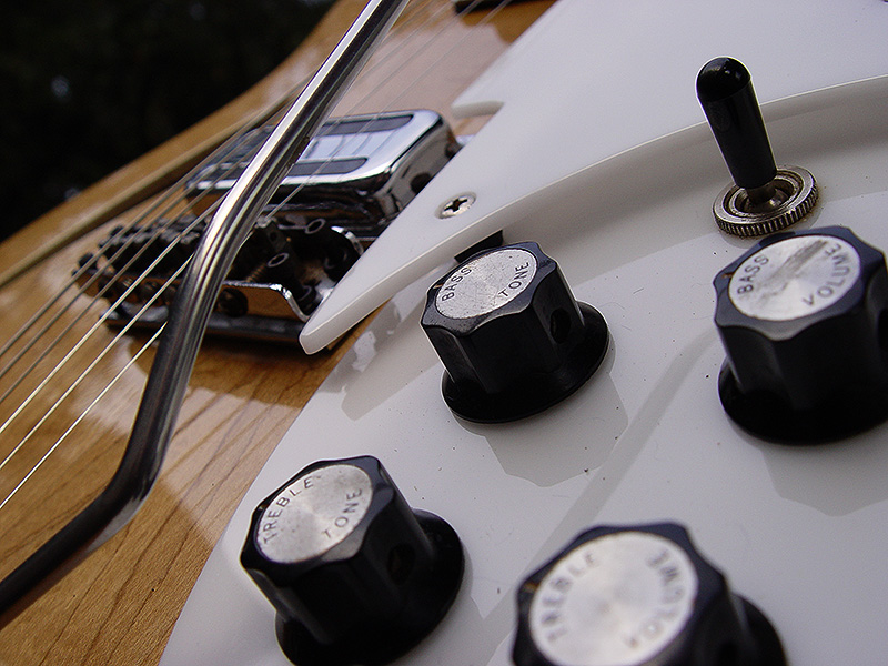 DETAIL SHOWS ORIGINAL 1968 KNOBS AND PICKGUARD, TOASTER PICKUP