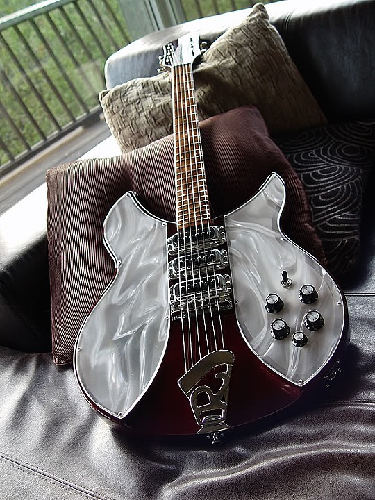 SPECIAL BURGUNDYGLO 3-PICKUP 340