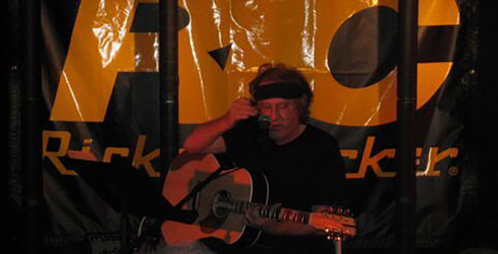 PAUL KANTNER PLAYING THE 700S/12, AUGUST, 2006