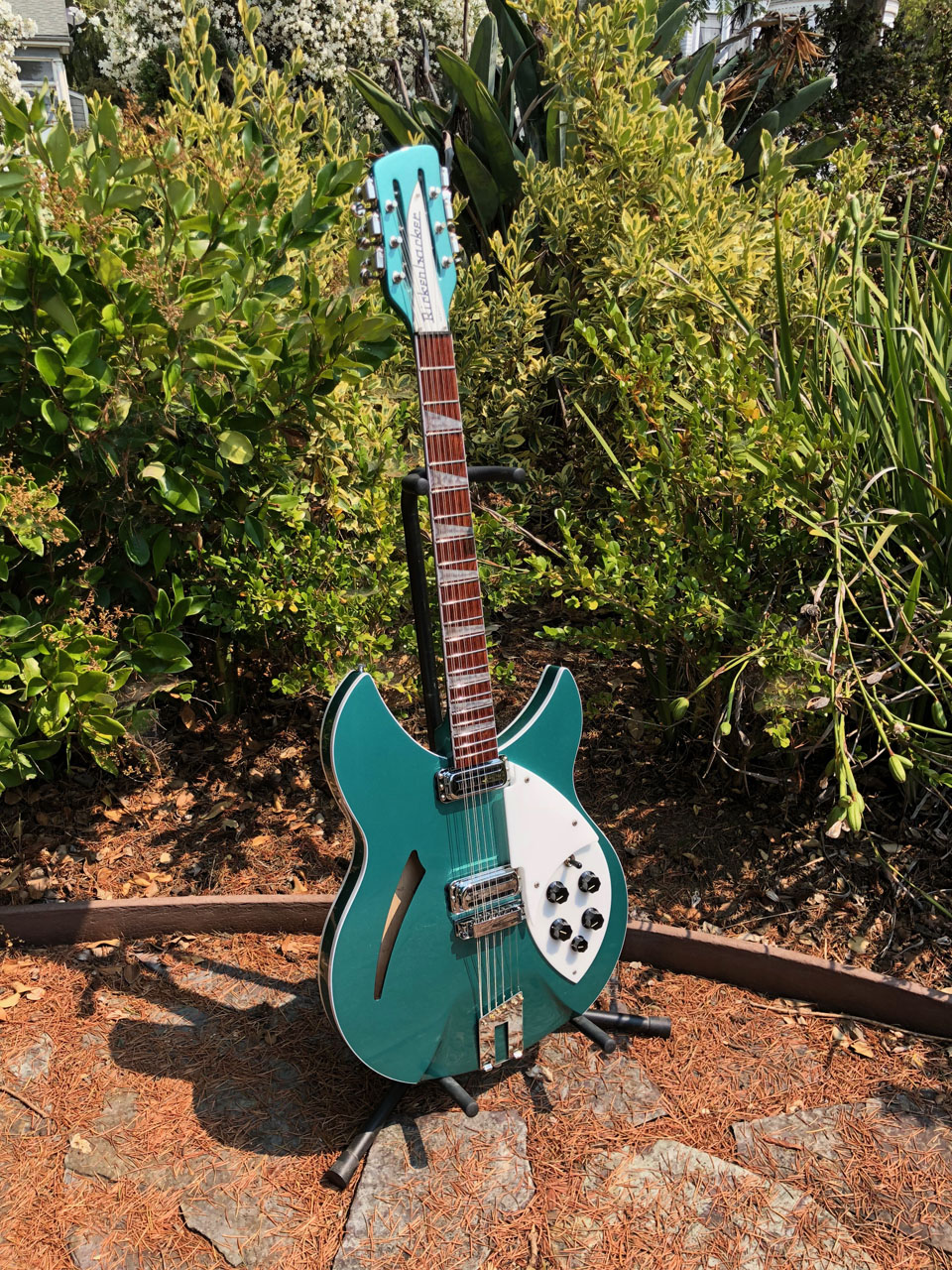 TURQUOISE IS A FAVORITE RICKENBACKER CUSTOM COLOR!