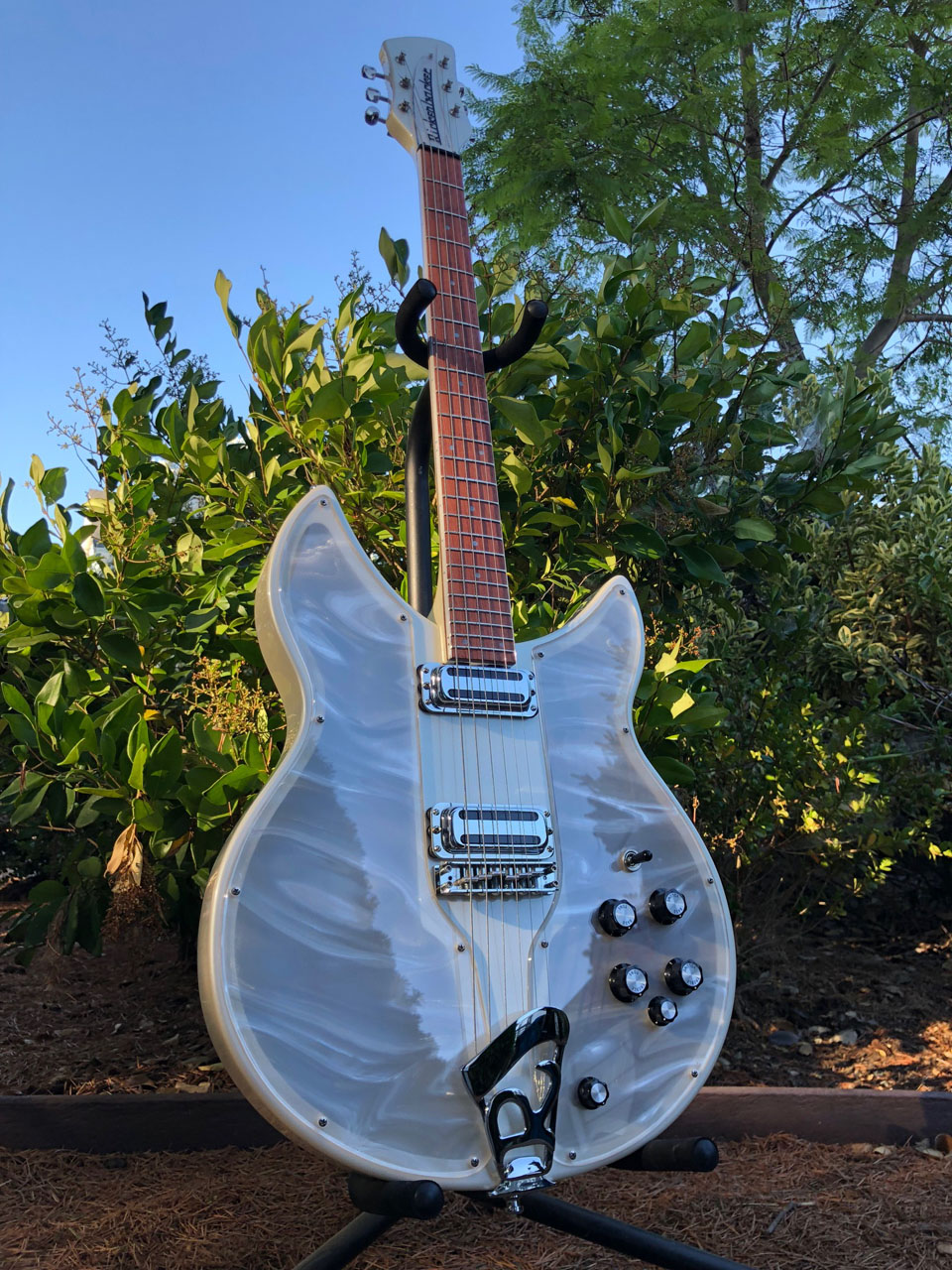 PEARL WHITE SOLID STATE CONVERSION