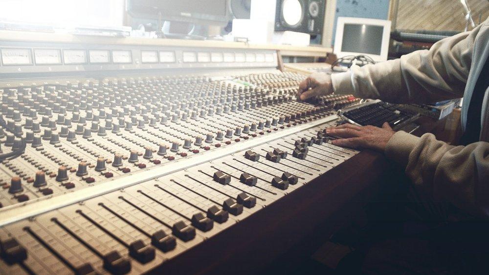 sound-studio-407216_1280.jpg