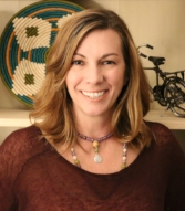 Maari Falsetto is a Transformational Spiritual Coach and the Owner of Inner Alchemy, Treasures and Transformation. She is an avid hiker and cannot wait to get up into our beautiful Seattle mountains with each of you!