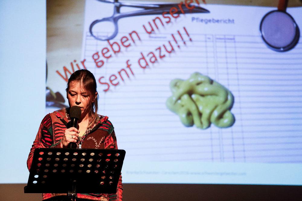 Eva-Maria Endruweit. Krankenschwester, Pflegemanagerin und Lehrerin für Pflegeberufe.