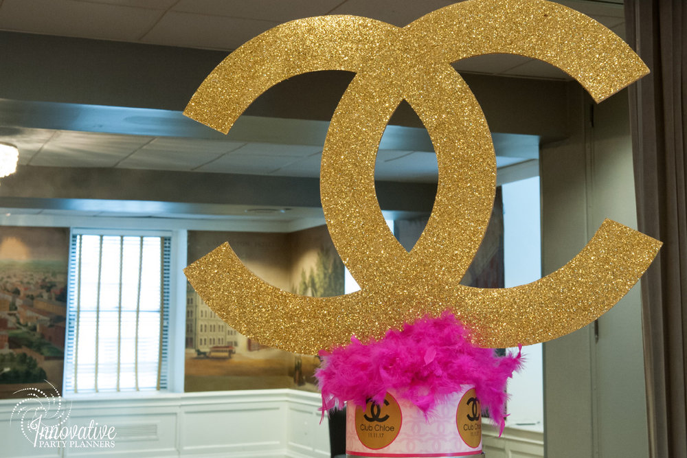 Club Chloe | Teen Table Sign | Bat Mitzvah club theme decor by Innovative Party Planners at Lord Baltimore Hotel